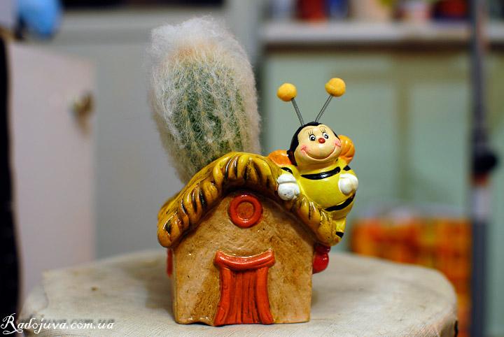 Подопытная пчелка. F2.8, 0.5с, ISO 100, WB auto