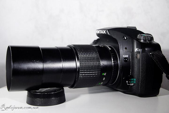 Вид объектива Cosina 200mm 1:4 MC Cosinon-T на современной камере