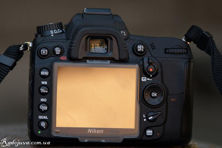 Nikon D7000 - вид сзади