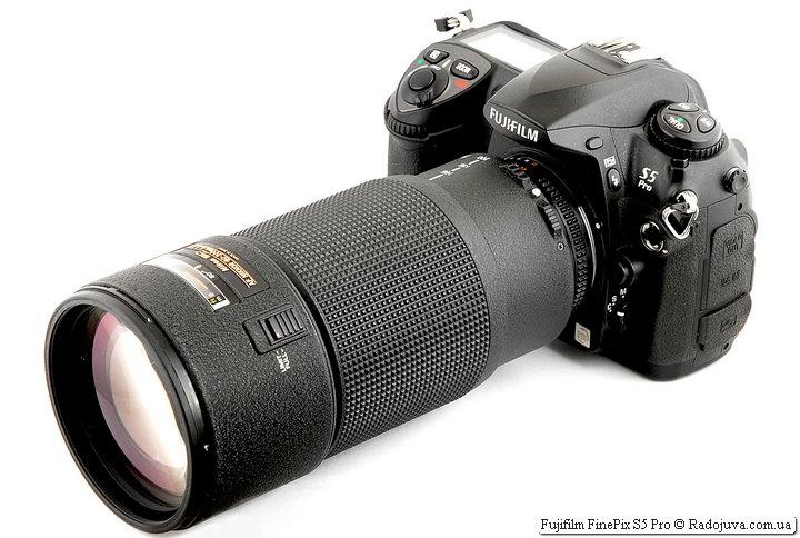 Fujifilm FinePix S5 Pro с объективом Nikon ED AF Nikkor 80-200mm 1:2.8D (MKII)