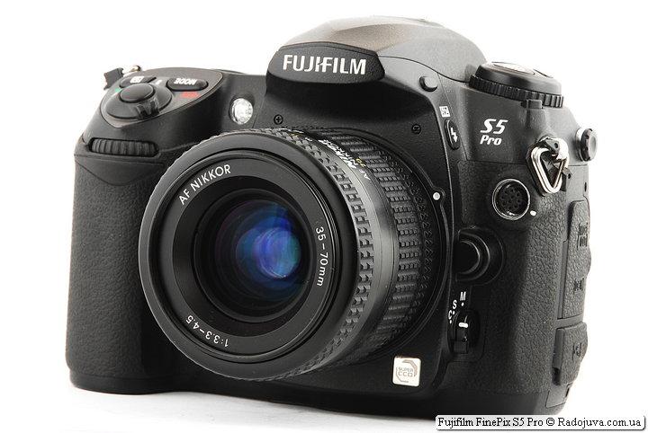 Fujifilm FinePix S5 Pro c объективом Nikon AF Nikkor 35-70mm 1:3.3-4.5 (MKII)