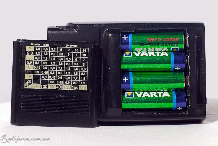 Metz 32 Z-2 батарейный модуль и шкала для рассчетов