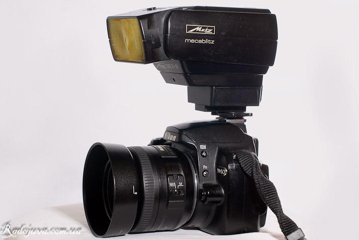 Вид Metz 32-Z2 на современной камере