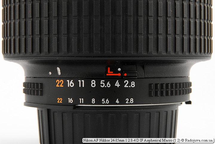 Фиксатор диафрагмы на объективе Nikon AF Nikkor 24-85mm 1:2.8-4 D IF Aspherical Macro (1:2)