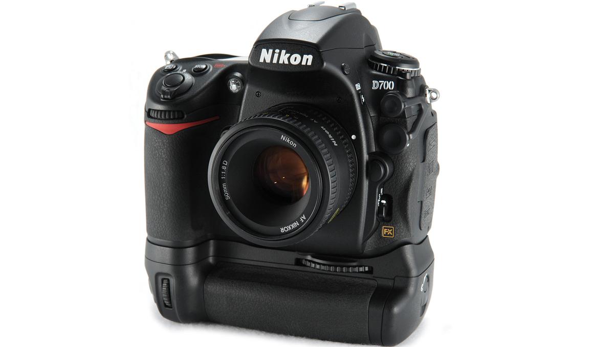 Legendary Nikon D700 with MB-D10 booster and Nikon 50mm 1: 1.8D AF Nikkor (MKIII) lens