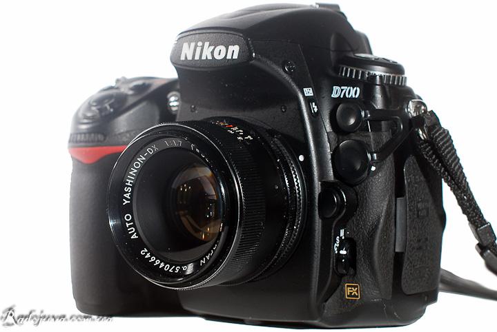 Вид Yashica Auto Yashinon-DX 1:1,7 f=50mm на современной камере