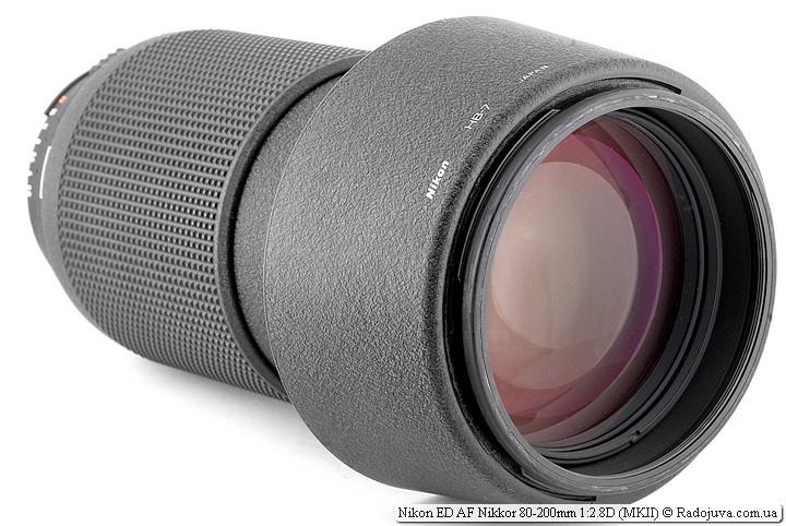 Nikon ED AF Nikkor 80-200mm 1:2.8D (MK2) с установленной блендой для транспортировки