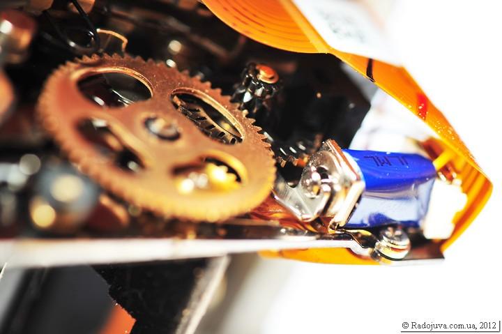 Механические шестеренки в современной камере