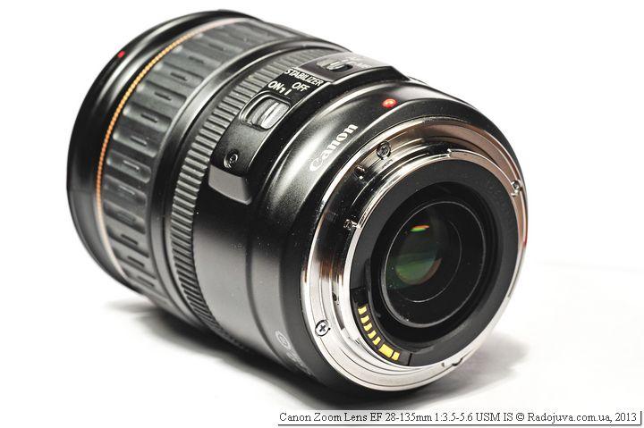 Вид объектива Canon EF 28-135mm f/3.5-5.6 USM IS со стороны байонета