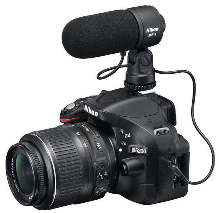 Nikon D5200 с дополнительным внешним микрофоном