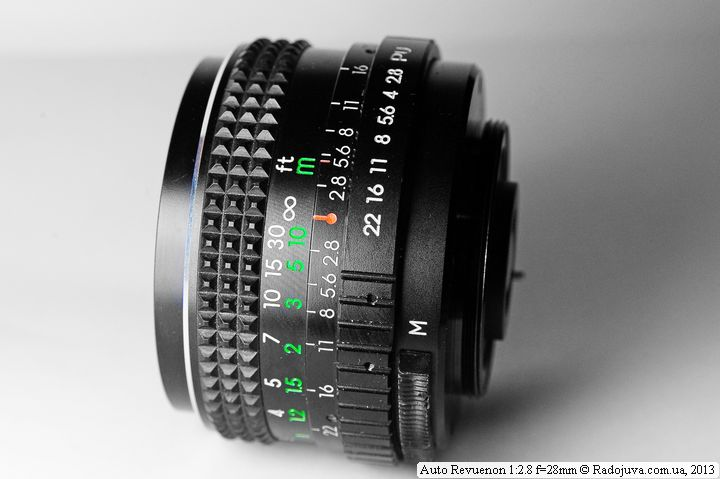 Вид сбоку Revuenon 28mm f2.8 Auto