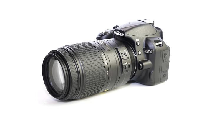 Вид Nikon 55-300 DX VR на современной зеркальной камере