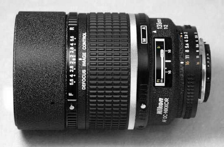 Nikon 135mm 1:2 AF DC-Nikkor