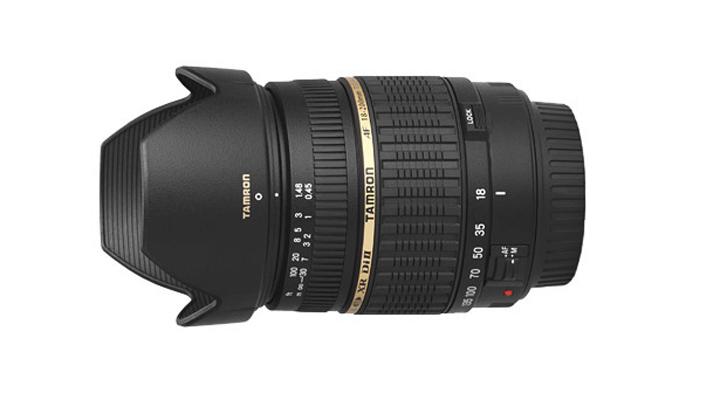 Tamron AF 18-200mm f/3.5-6.3 с одетой блендой