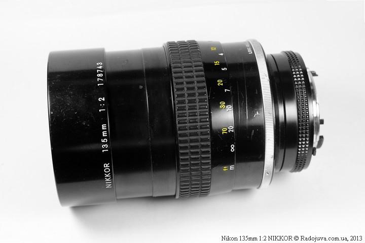 Вид Nikon 135mm 1:2 NIKKOR при МДФ с выдвинутой блендой