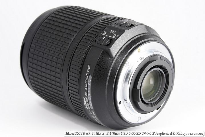 Вид Nikon 18-140mm VR нсзади