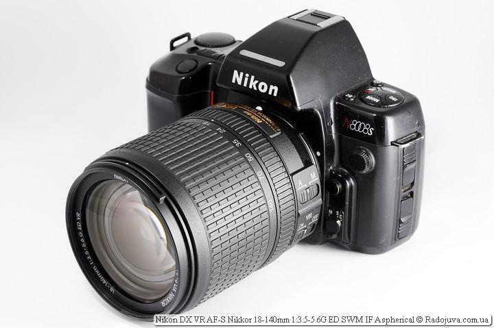Вид объектива Nikon 18-140mm VR на ЗК