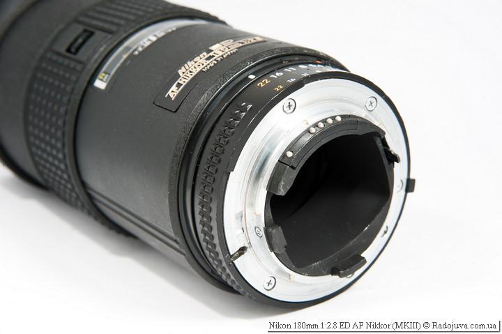 Вид Nikon 180mm 1:2.8 ED AF Nikkor MKIII сзади