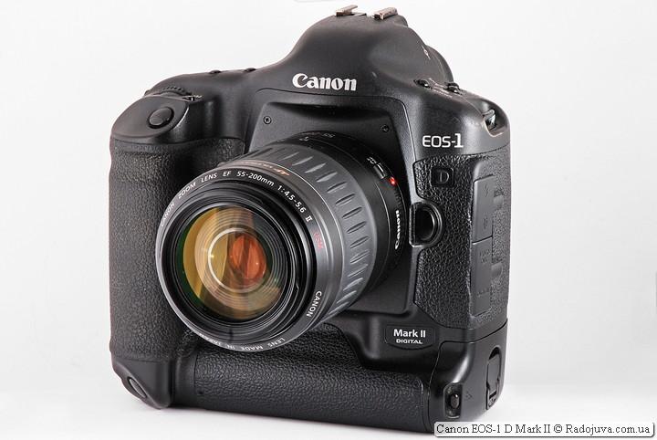 Вид Canon EOS-1D Mark II с объективом Canon Zoom Lens EF 55-200mm 1:4.5-5.6 II USM