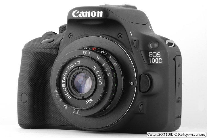 Canon EOS 100D с крошкой-объективом Industar-50-2