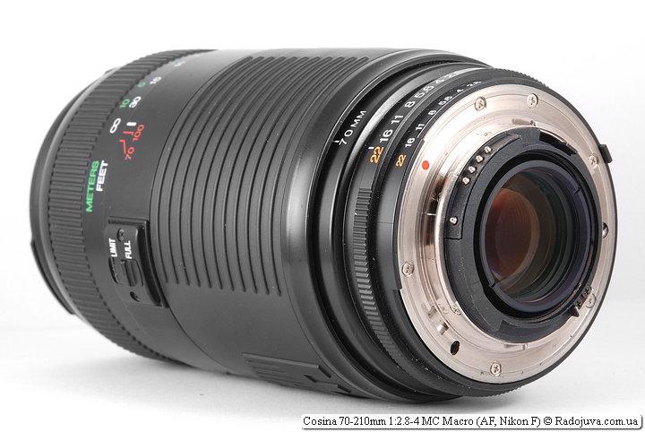 Cosina 70-210 mm 2.8-4 MC Macro, вид сзади