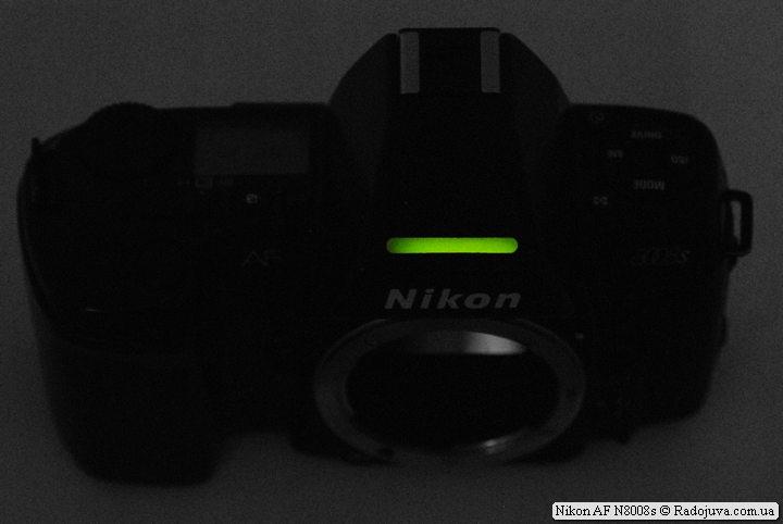 Подсветка информациооной строчки в ОВИ камеры Nikon AF N8008s
