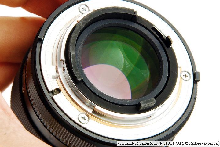 Просветление задней линзы Voigtlander Nokton 58mm F1.4 SL N/AI-S