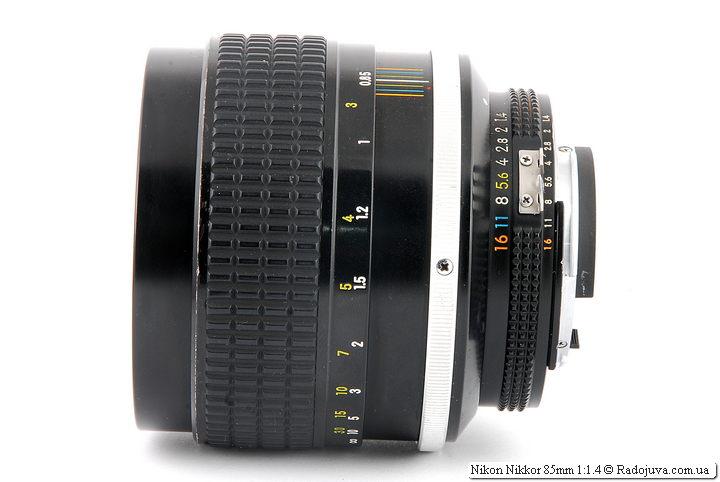Nikon Nikkor 85mm 1:1.4 при фокусировке на МДФ
