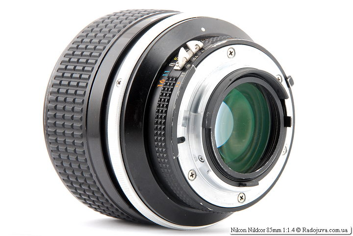 Просветление задней линзы Nikon Nikkor 85mm 1:1.4