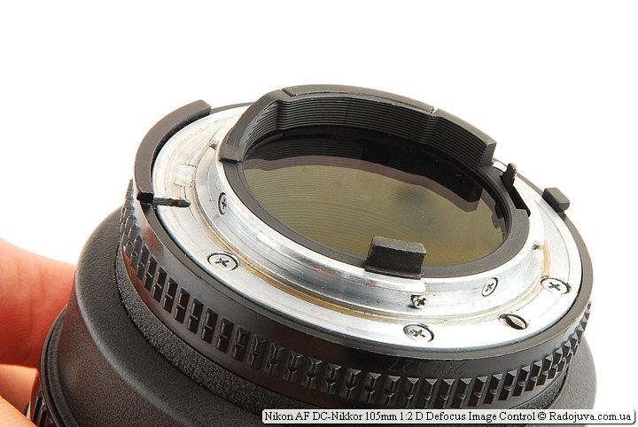 Задняя линза объектива Nikon AF DC-Nikkor 105mm 1:2 D Defocus Image Control