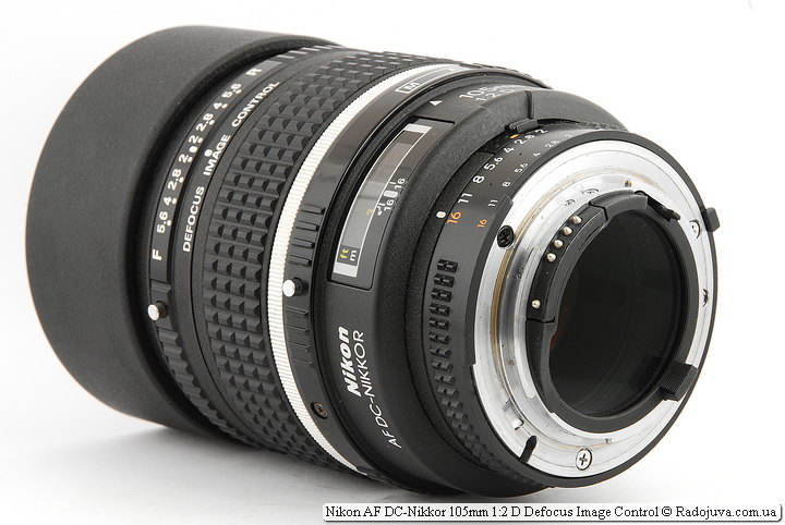 Вид Nikon AF DC-Nikkor 105mm 1:2 D Defocus Image Control со стороны байонета