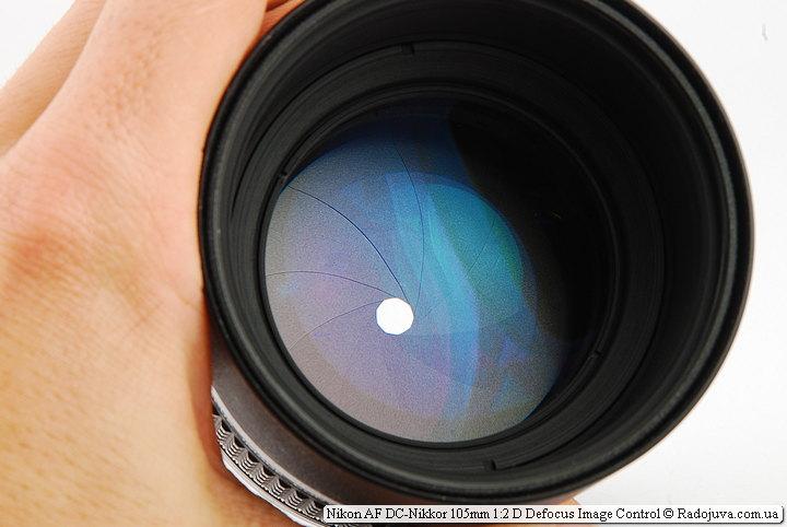Лепестки диафрагмы и просветление объектива Nikon AF DC-Nikkor 105mm 1:2 D Defocus Image Control