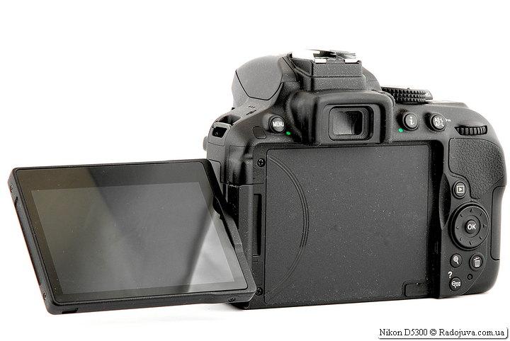 Поворотный дисплей Nikon D5300