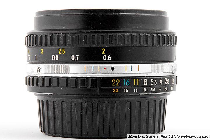 Nikon Lens Series E 50mm 1:1.8 (MKII) сфокусированный на МДФ
