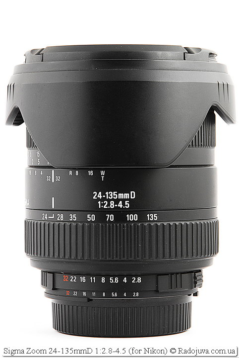 Sigma Zoom 24-135mmD 1:2.8-4.5 с блендой