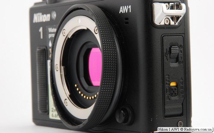 Nikon 1 AW1 с кольцом для установки обычных объективов Nikon 1 Nikkor