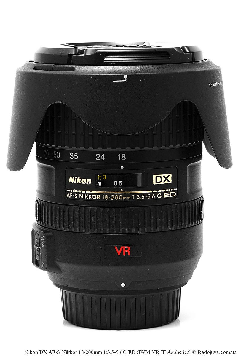 Nikon DX AF-S Nikkor 18-200mm 1: 3.5-5.6G ED SWM VR IF Aspherical with original hood HB-35