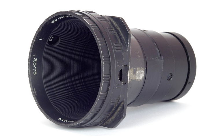 A photo of the appearance of the original lens was taken from periscope.com.ua (I. Kosarekov)