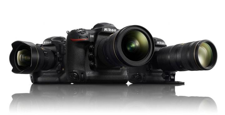 На фотографии показана святая троица: Nikon 14-24/2.8, 24-70/2.8VR, 70-200/2.8VRII