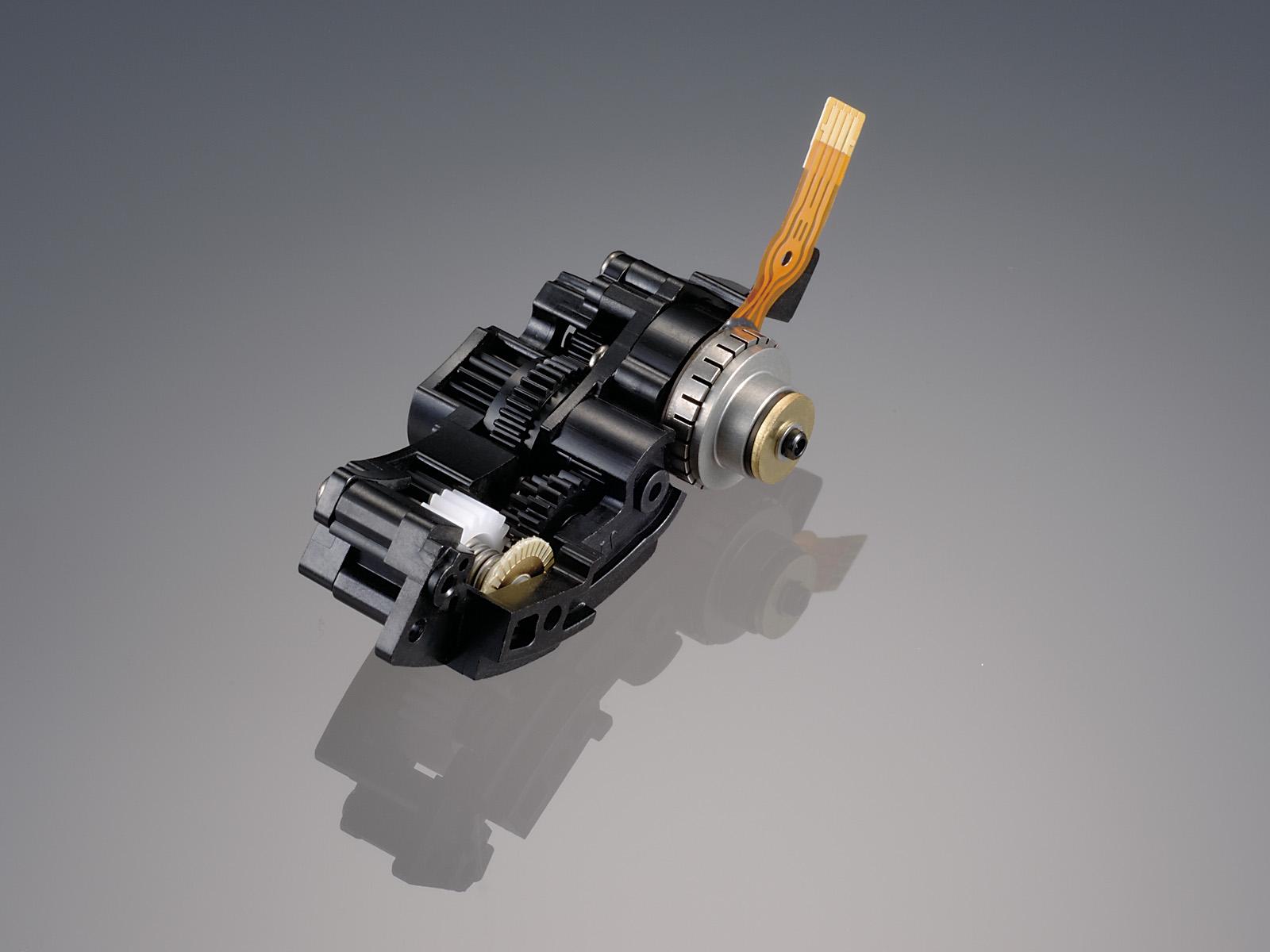 Compact SWM AF-S DX 18-200mm F3.5-5.6
