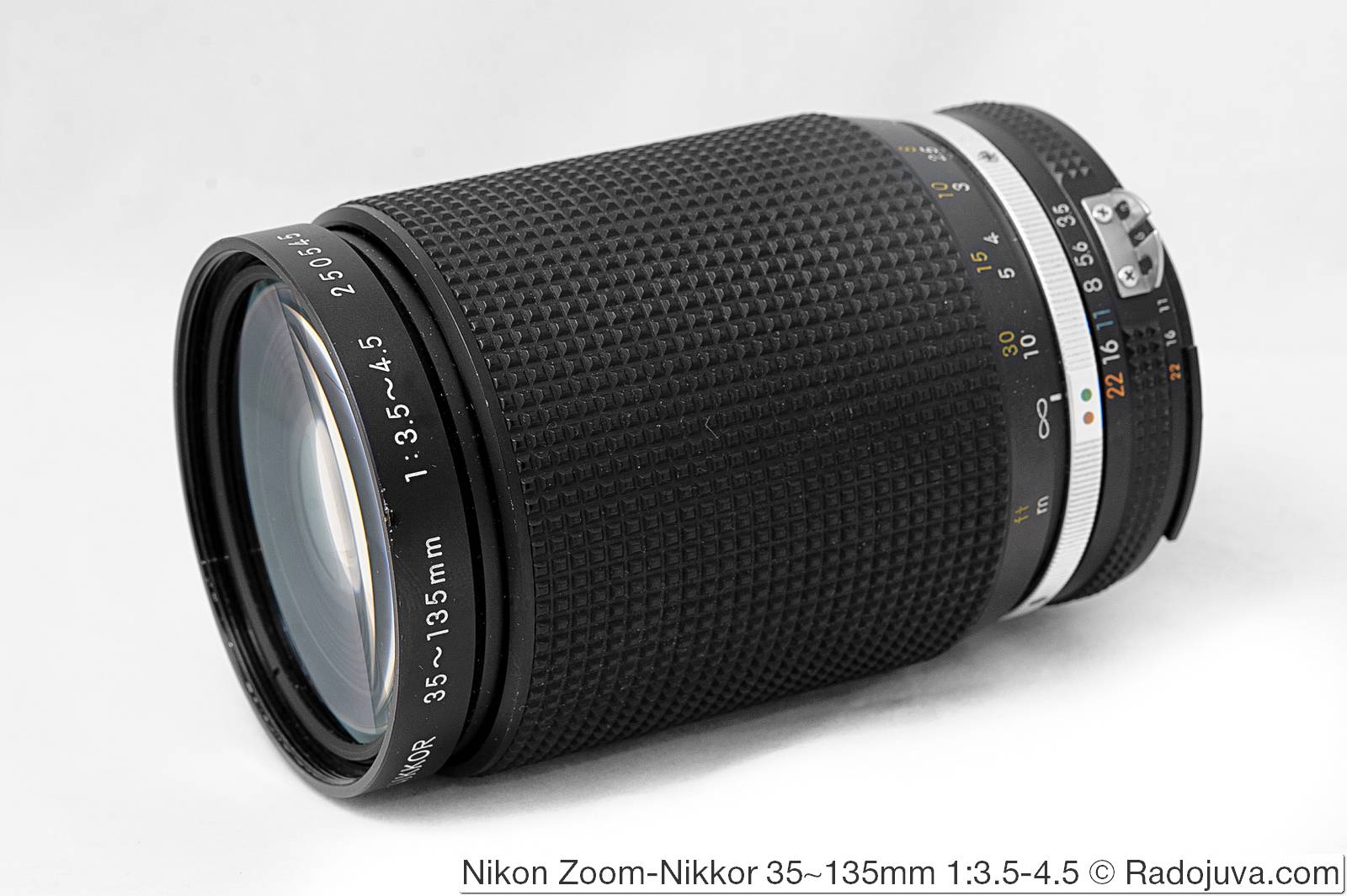 Nikon Zoom-Nikkor 35-135mm 1:3.5-4.5 (AI-S)