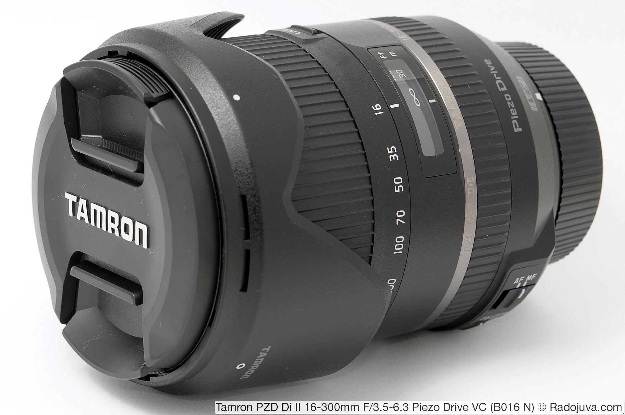 Tamron 16-300mm F/3.5-6.3 Di II PZD VC Model B016 с блендой HB016 в режиме транспортировки (бленда установлена в обратном направлении)