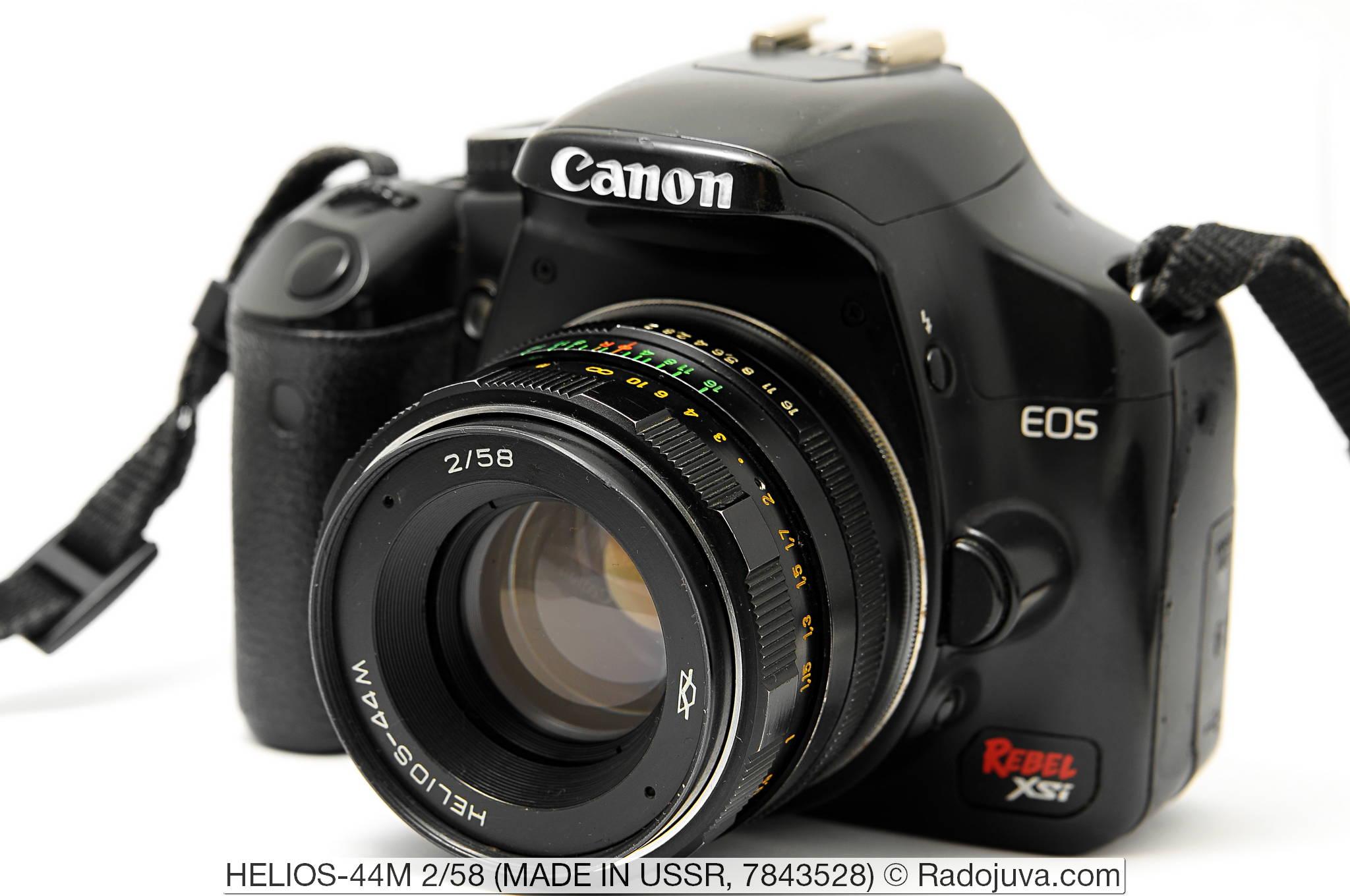 HELIOS-44M 2/58 завода КМЗ. Объектив показан на цифровом зеркальном фотоаппарате Canon EOS DIGITAL Rebel XSi. Установка объектива на фотоаппарат осуществлена с помощью переходника M42-Canon EOS с чипом.