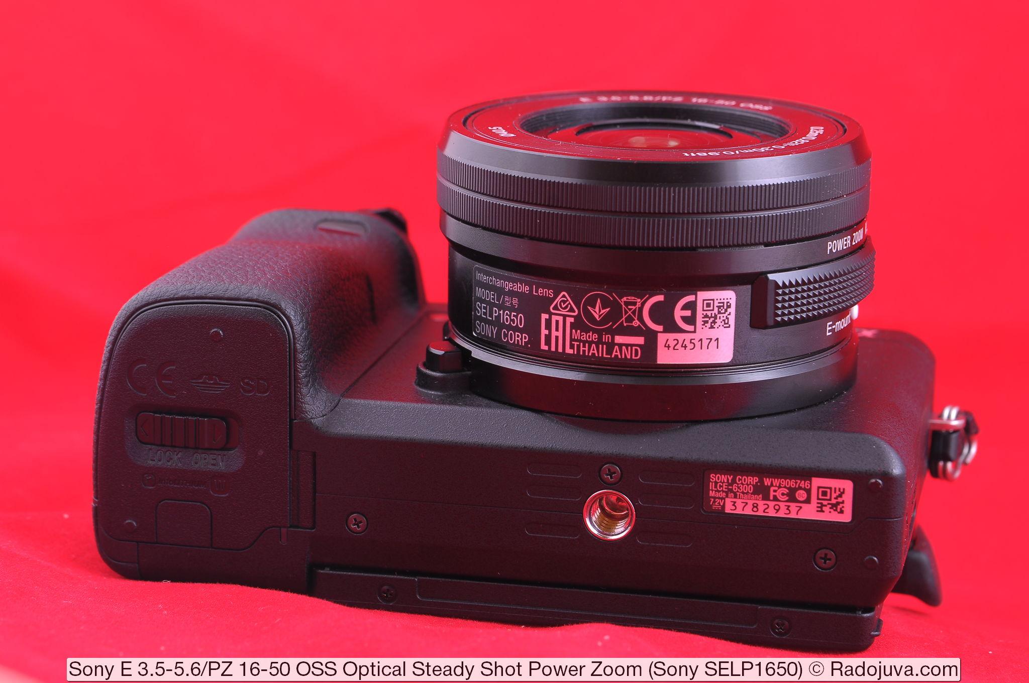 Sony E 3.5-5.6/PZ 16-50 OSS Optical Steady Shot Power Zoom (Sony SELP1650). Объектив показан на беззеркальном фотоаппарате Sony a6300 (ILCE-6300).