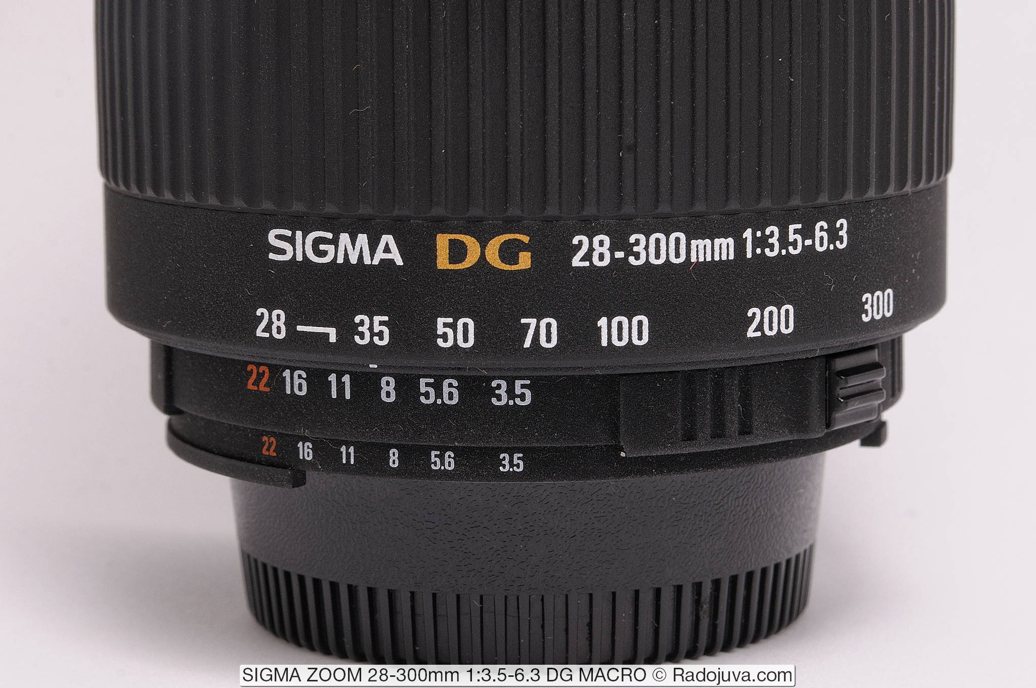 SIGMA ZOOM 28-300mm 1:3.5-6.3 DG MACRO