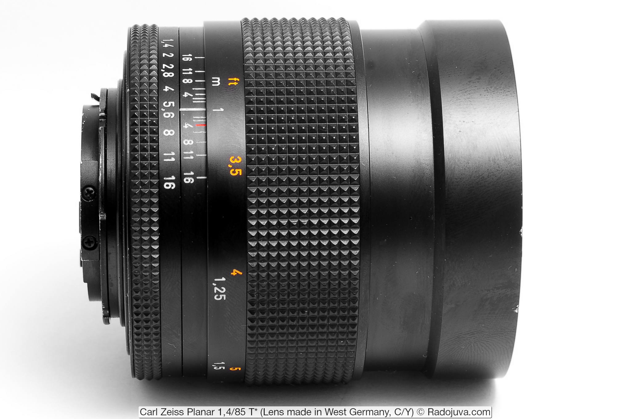 Carl Zeiss Planar 1,4/85 T* (Lens made in West Germany, C/Y)