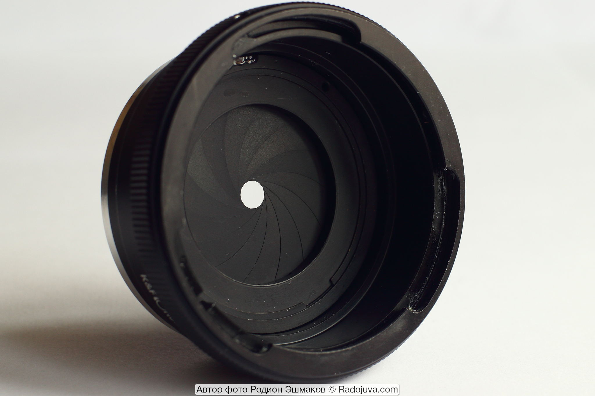 Фото переходника P6-M42 с вмонтированной диафрагмой