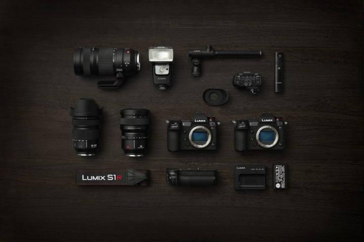 система Panasonic Lumix S