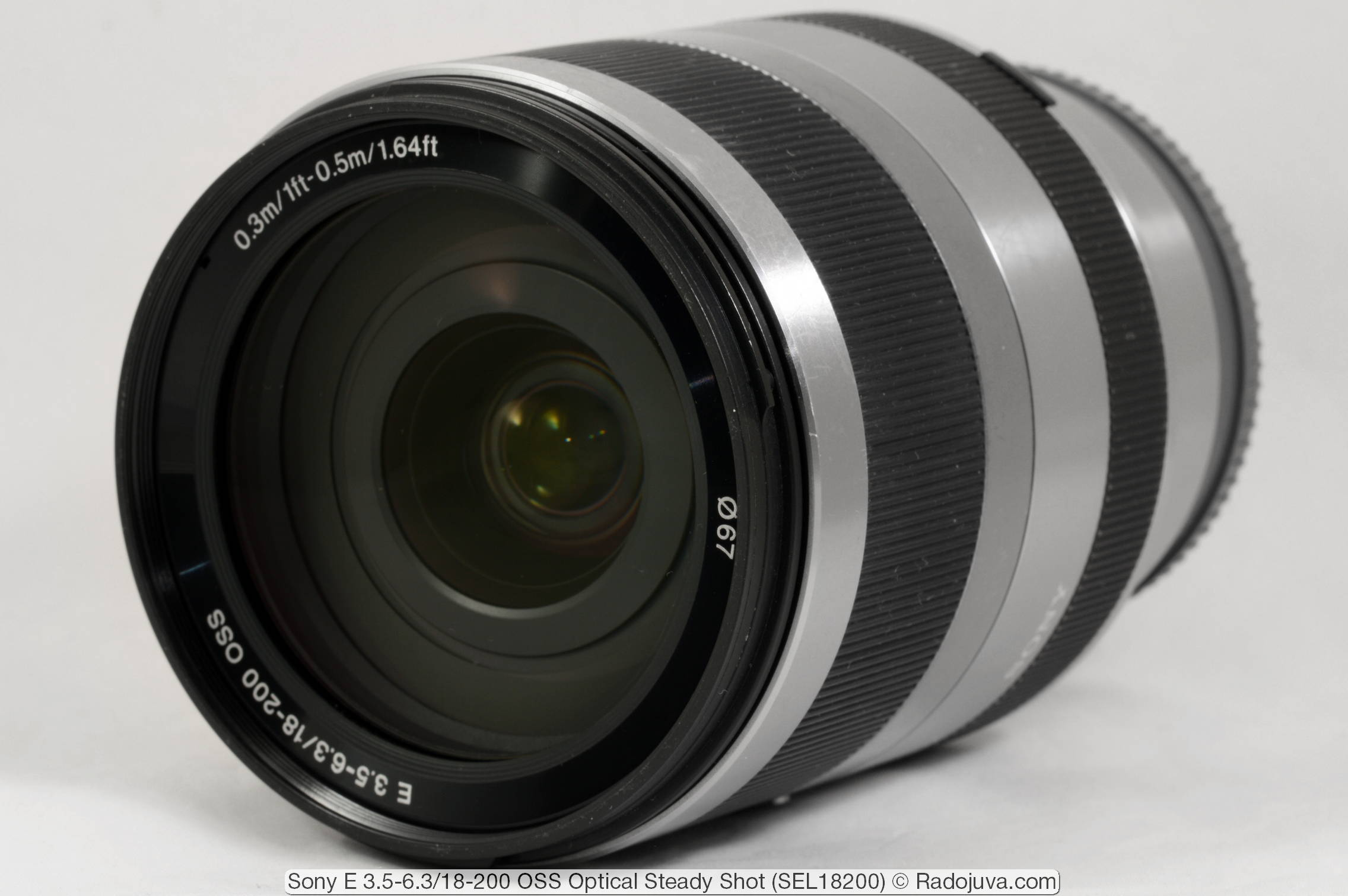 Sony E 3.5-6.3/18-200 OSS (Optical Steady Shot, E-mount)