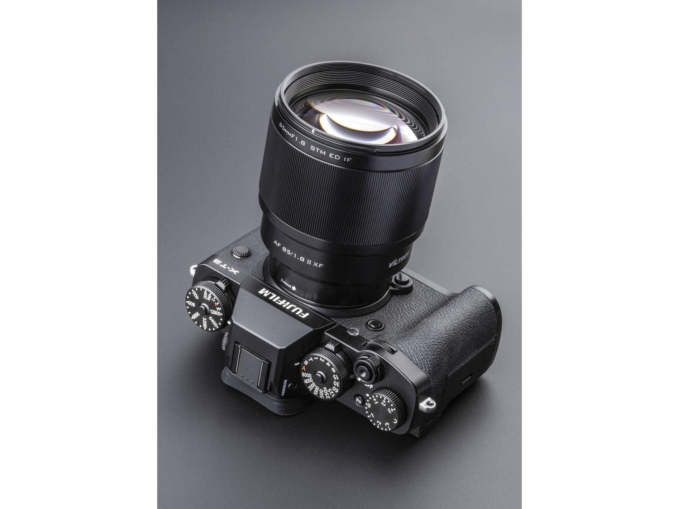 Объектив Viltrox AF 85mm F1.8 II XF STM ED IF (вторая версия, MK II) на камере Fujifilm X-T3